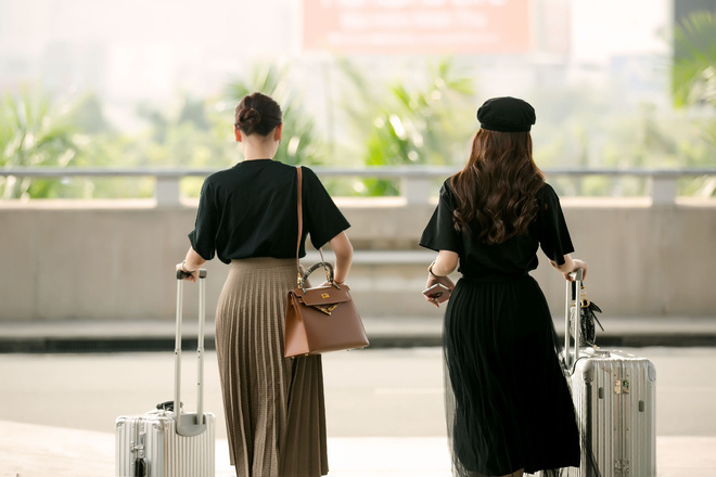Hà Lade xinh đẹp nổi bật tại sân bay - Ảnh 7.