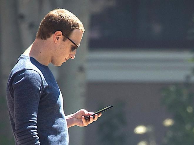 Đây là lý do không ai ngờ đến khiến Mark Zuckerberg cấm nhân viên của mình dùng iPhone - Ảnh 1.