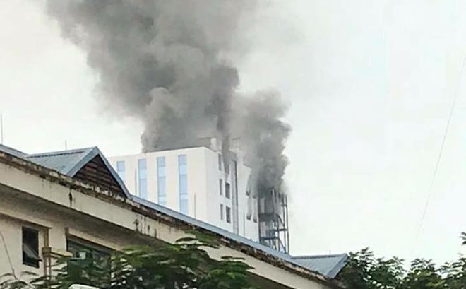 Hà Nội: Cháy lớn tại tòa nhà cao tầng đang thi công trên đường Hoàng Quốc Việt