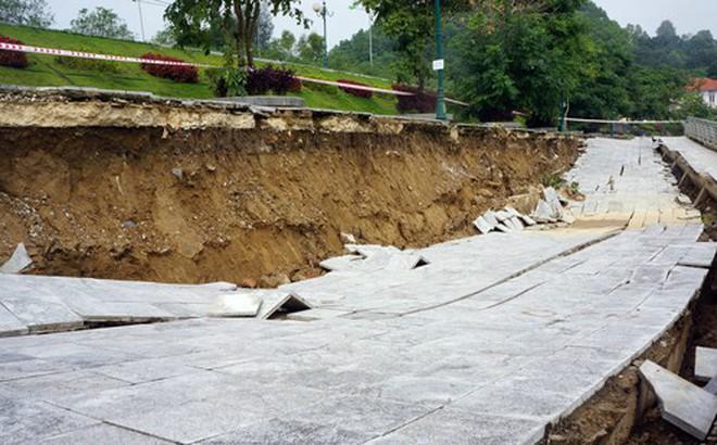 Sụt lún chân cầu Hàm Rồng đe dọa an toàn đường sắt