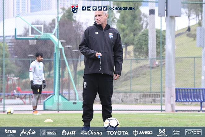 Đồng môn của HLV Park Hang-seo thua liền 2 trận đầu tiên dẫn dắt U21 Thái Lan - Ảnh 1.