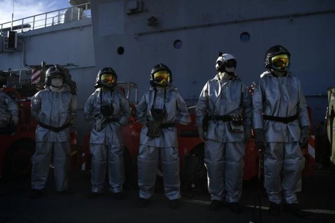 Cận cảnh boong tàu sân bay Charles de Gaulle của hải quân Pháp - Ảnh 6.