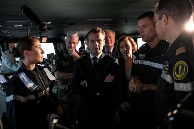 Cận cảnh boong tàu sân bay Charles de Gaulle của hải quân Pháp - Ảnh 10.