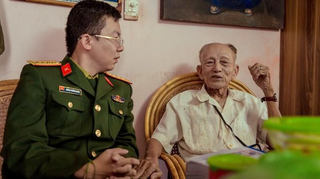 Chuyện cảm động ghi ở Bệnh viện Hữu nghị: 4 vị tướng cúi đầu bên giường một vị trung tá - Ảnh 1.