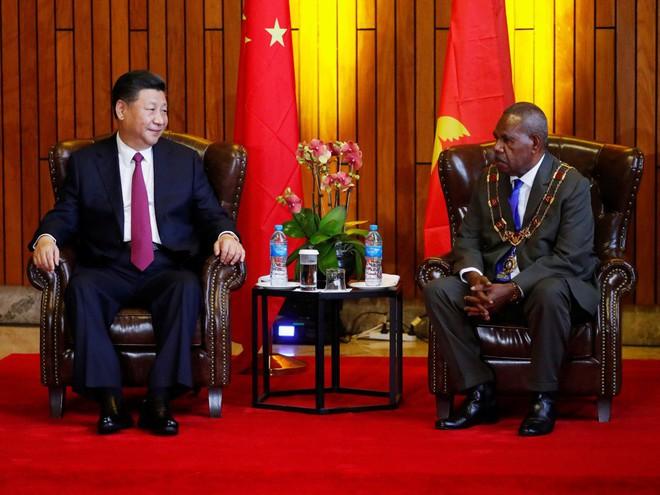 Ông Tập Cận Bình thăm nước chủ nhà APEC 2018: Một hành động bất thường đã xảy ra - Ảnh 1.