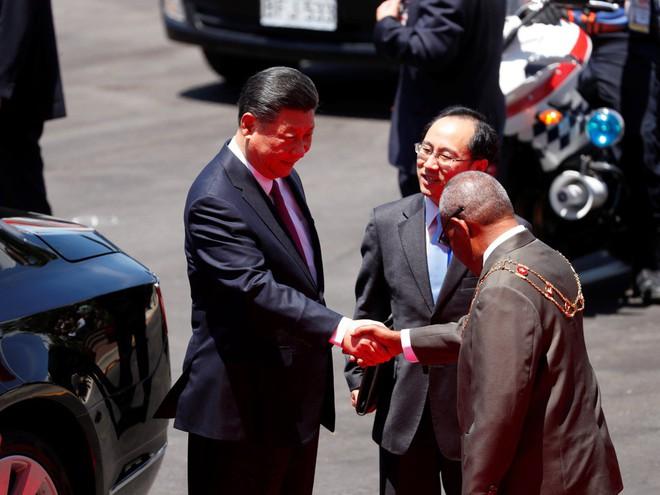 Ông Tập Cận Bình thăm nước chủ nhà APEC 2018: Một hành động bất thường đã xảy ra - Ảnh 3.