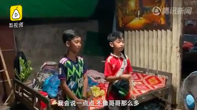 Khoe tài nói được 15 thứ tiếng, cậu bé Campuchia được mời đến Bắc Kinh tham gia chương trình ca hát - Ảnh 2.
