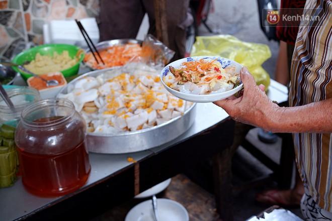 Tiệm ăn hàng 30 năm của dì Gái chịu chơi nhất Sài Gòn, mỗi ngày bán trong 1 giờ là hết veo - Ảnh 6.