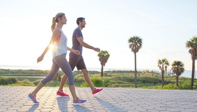 3 thói quen là nguyên nhân dẫn đến bệnh mãn tính: Biến người khỏe thành người có bệnh - Ảnh 2.