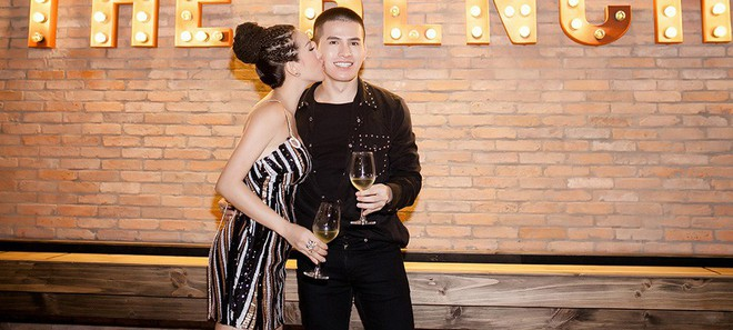 Hoa hậu Thu Hoài ôm, hôn Quốc Thiên tình cảm trước mặt bạn trai  - Ảnh 3.