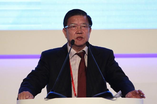 Thương chiến nảy lửa, cựu Thứ trưởng TQ tuyên bố thích ông Trump, chê Bắc Kinh dại dột - Ảnh 2.
