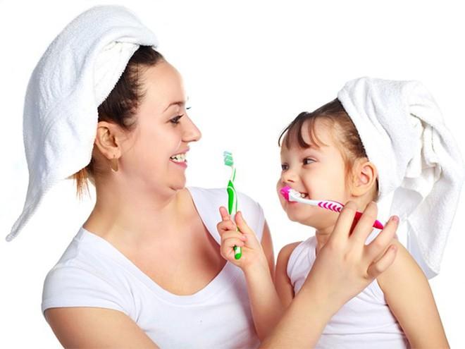 Nha sĩ nhắc nhở: 90% người đang giả vờ đánh răng, hãy sửa ngay lỗi sai để không mất răng - Ảnh 2.