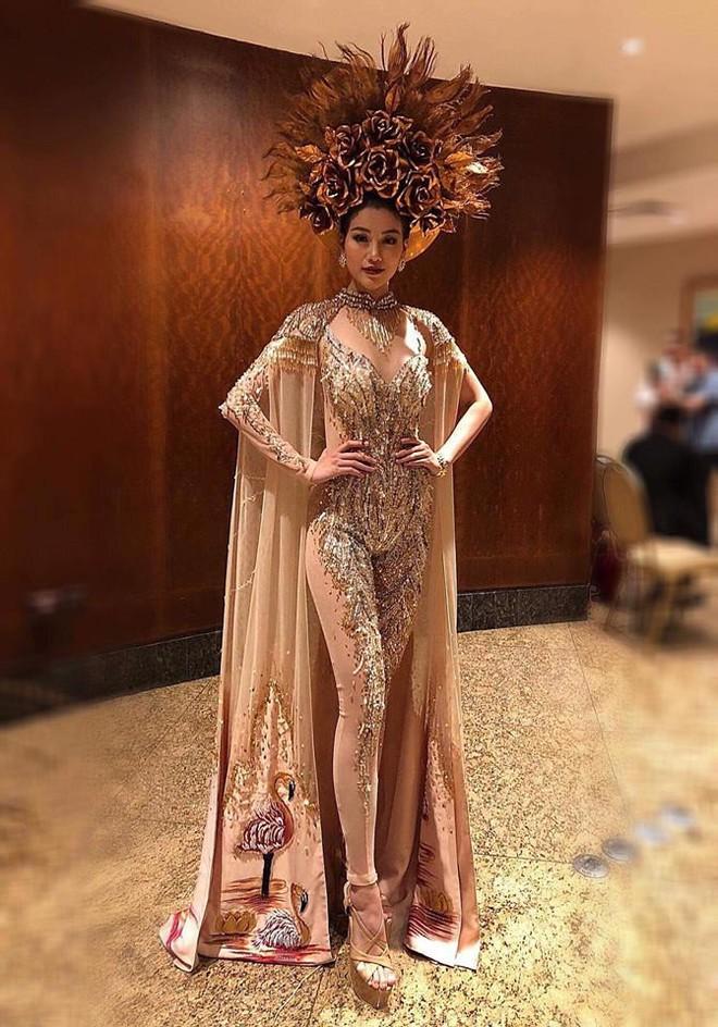 Nhà thiết kế nổi tiếng Việt Nam được mời làm giám khảo Hoa hậu Trái đất - Ảnh 2.