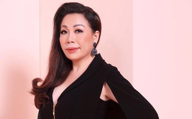 """Nhà thiết kế nổi tiếng Việt Nam được mời làm giám khảo """"Hoa hậu Trái đất"""""""