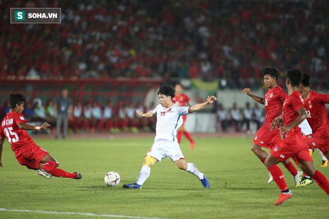 Trọng tài Thái Lan cướp trắng bàn thắng, Việt Nam bị cầm hòa dù ép đối phương nghẹt thở - Ảnh 4.