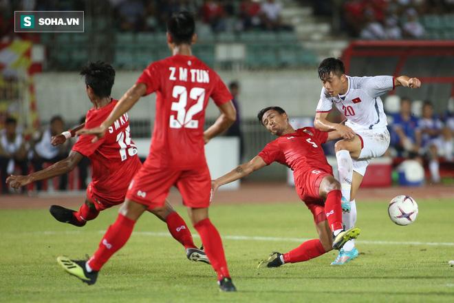 Trọng tài Thái Lan cướp trắng bàn thắng, Việt Nam bị cầm hòa dù ép đối phương nghẹt thở - Ảnh 3.