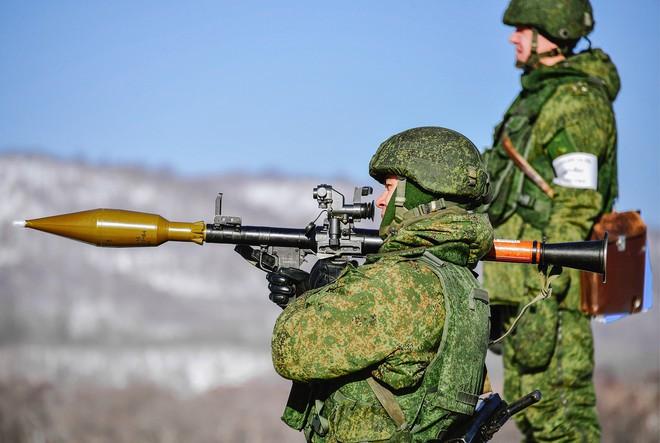 3 vũ khí Nga xuất khẩu nhiều nhất Thế kỷ 20: AK-47 đứng thứ mấy? - Ảnh 2.