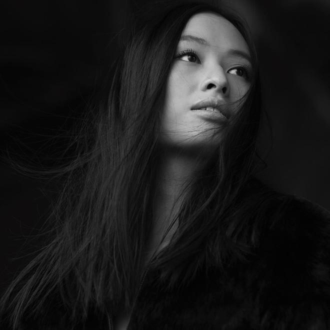 Con gái 21 tuổi của đạo diễn gốc Việt thành công nhất thế giới: Gương mặt đậm chất điện ảnh, vóc dáng nuột nà - Ảnh 2.