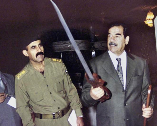 Chiến dịch Bình Minh Đỏ: Sai lầm thô thiển khiến Mỹ không thể bắt được Saddam Hussein sớm hơn - Ảnh 3.