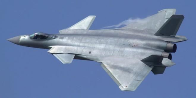 Màn phô diễn hoành tráng chứng tỏ J-20 Trung Quốc và Su-57 Nga còn xa mới sánh ngang F-35 - Ảnh 2.