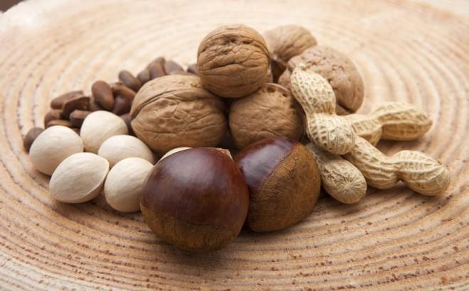 Chuyên gia dinh dưỡng khuyên: Ăn một nắm hạt mỗi ngày, cơ thể sẽ nhận về rất nhiều lợi ích
