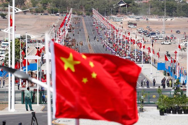 Báo Mỹ: Quan chức Trung Quốc vỗ tay vang dội khi APEC không ra được tuyên bố chung - Ảnh 1.
