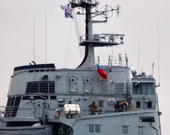 Tàu Nga ùn ùn chở vũ khí, trang bị tới Syria: Sẵn sàng cho đòn tấn công quyết định - Ảnh 2.