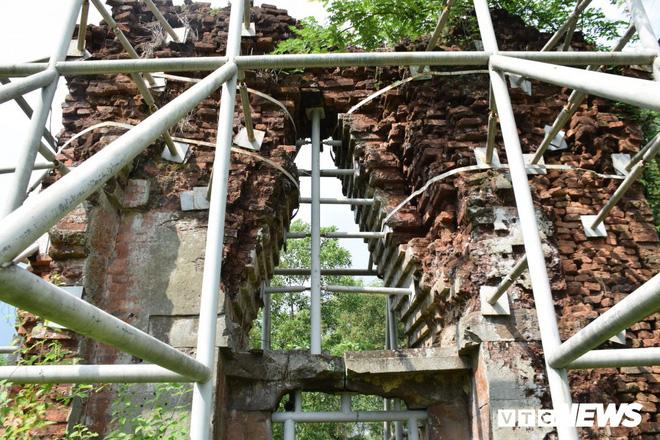 Mang sắt thép quây chằng chịt chống đỡ phật viện lớn nhất Đông Nam Á - Ảnh 3.