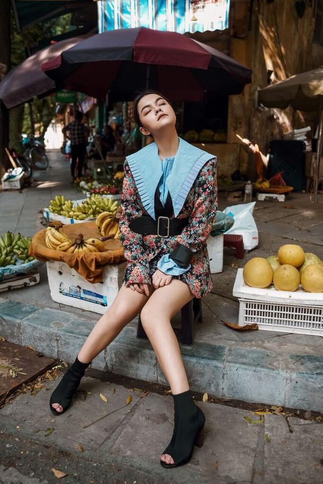 Phạm Quỳnh Anh tạo dáng sexy giữa chợ rau ở Hà Nội - Ảnh 6.