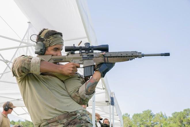 Vượt mặt cả Thủy quân lục chiến, xạ thủ bắn tỉa của Tuần duyên Mỹ đáng gờm như thế nào? - Ảnh 2.