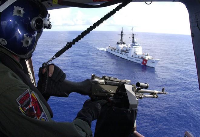 Vượt mặt cả Thủy quân lục chiến, xạ thủ bắn tỉa của Tuần duyên Mỹ đáng gờm như thế nào? - Ảnh 13.