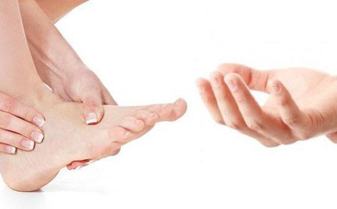 Tê bì chân tay do bệnh tiểu đường và 5 cách làm giảm hiệu quả