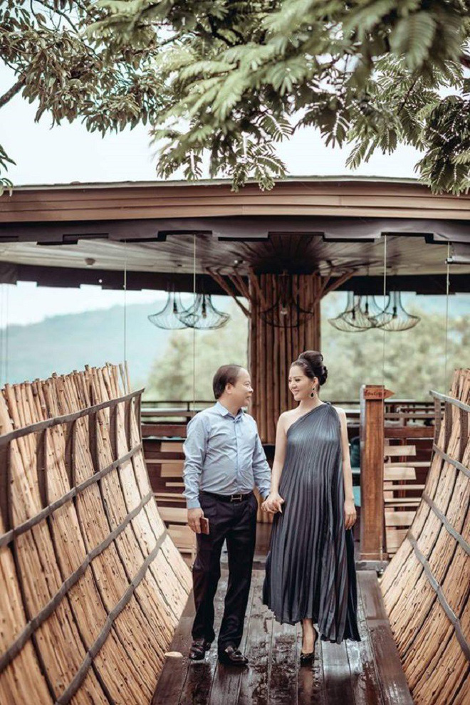 Ca sĩ Đinh Hiền Anh: Tôi không mang lễ cưới của mình với Thứ trưởng Bộ Tài chính để PR - Ảnh 2.