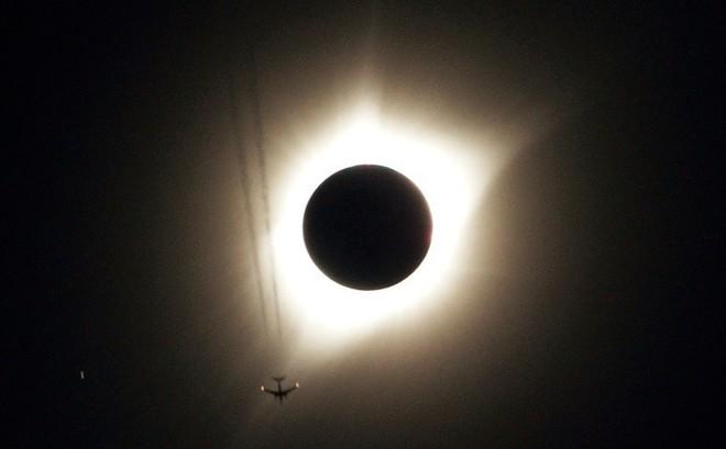 """""""Che lấp"""" mặt trời: Giải pháp cuối cùng trong cuộc chiến chống biến đổi khí hậu?"""