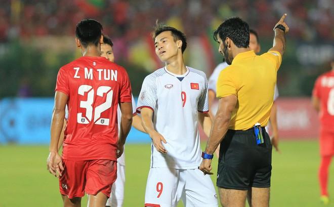 Văn Toàn trải lòng sau khi phải chia tay AFF Cup 2018 vì chấn thương