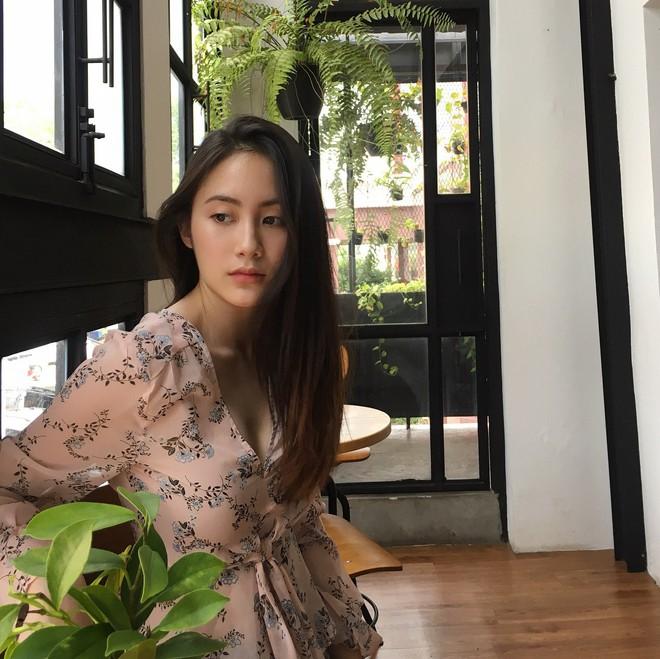 Hot girl Lào gốc Việt xinh đẹp nổi bật trong lễ tốt nghiệp đại học tại Anh - Ảnh 11.