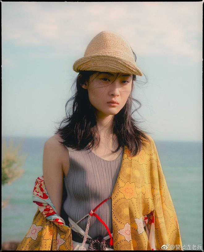 Netizen lùng sục thông tin về người mẫu đóng quảng cáo D&G gây tranh cãi, dấy lên làn sóng tẩy chay toàn Trung Quốc - Ảnh 13.