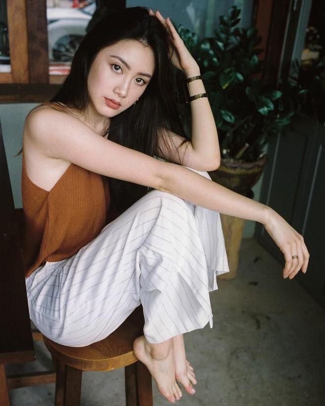 Hot girl Lào gốc Việt xinh đẹp nổi bật trong lễ tốt nghiệp đại học tại Anh - Ảnh 9.