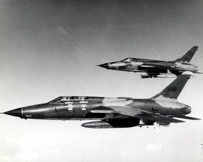 F-35 sẽ tan xác trong không chiến, nếu Mỹ không rút ra bài học từ thảm bại của F-105 ở Việt Nam - Ảnh 2.