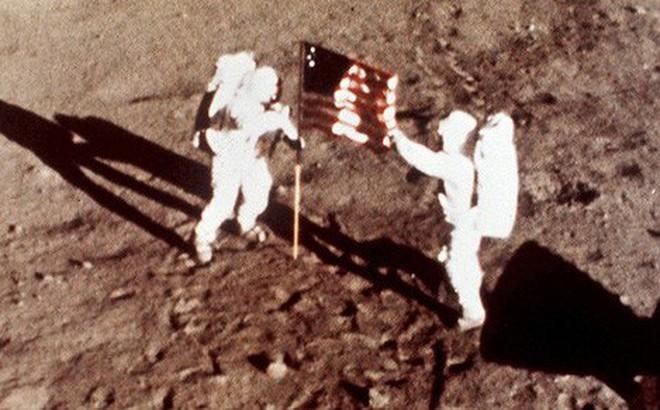 Nga quyết lên mặt trăng kiểm tra dấu chân Mỹ