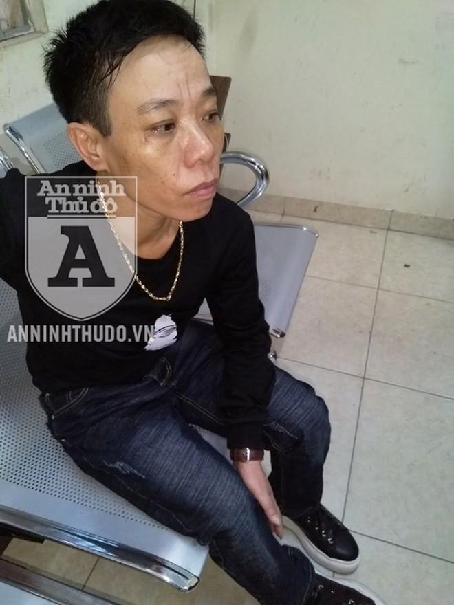 Người phụ nữ nam tính có những biểu hiện… lạ khi bị Cảnh sát 141 kiểm tra - Ảnh 4.