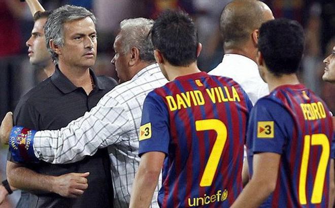 """Mourinho một tay """"phá nát"""" El Clasico, gây chia rẽ tuyển Tây Ban Nha?"""