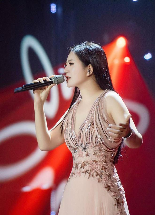 Thân thế ít biết của ca sĩ Đinh Hiền Anh - người vừa kết hôn với Thứ trưởng Bộ Tài chính - Ảnh 3.