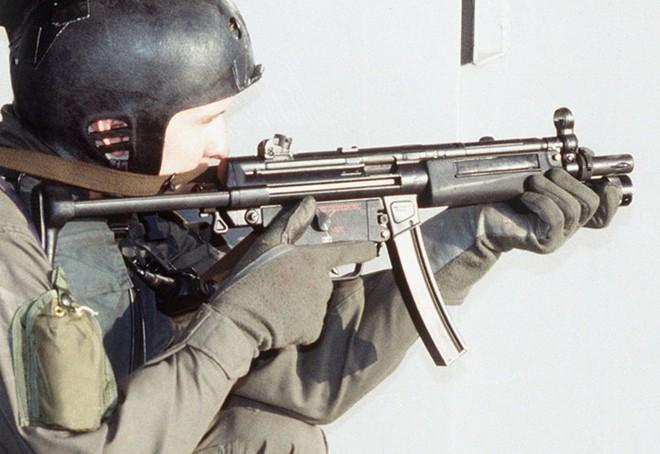 Ảnh: Súng Heckler&Koch MP5 - Khẩu tiểu liên huyền thoại của người Đức - Ảnh 11.