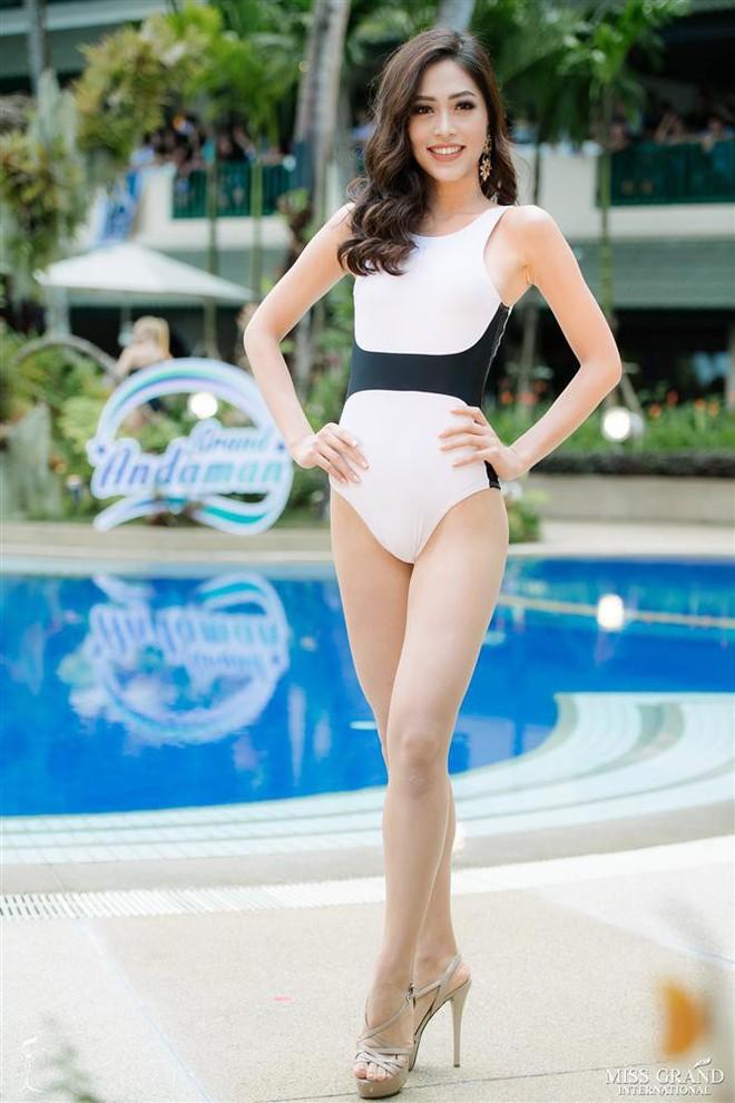 Đọ body nóng bỏng khi diện bikini của 6 nàng hậu Vbiz trên đấu trường quốc tế 2018 - Ảnh 13.