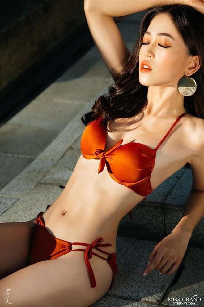 Đọ body nóng bỏng khi diện bikini của 6 nàng hậu Vbiz trên đấu trường quốc tế 2018 - Ảnh 15.