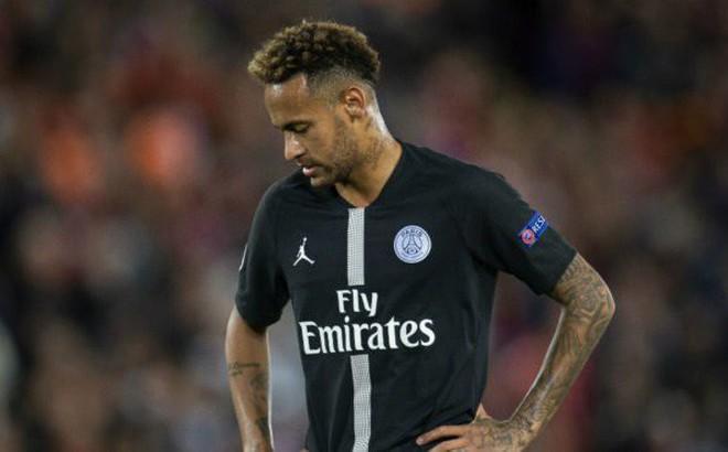 """Thiếu đi điều quan trọng nhất, Neymar và Mbappe cũng chẳng cứu nổi """"gã nhà giàu"""" PSG"""