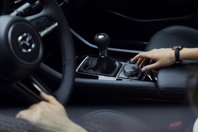 Mazda 3 (2019) chính thức ra mắt với thiết kế đẹp bóng bẩy như xe sang - Ảnh 3.