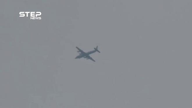IL-20 đột ngột tái xuất ở Idlib: Đạn đã lên nòng - Kalibr-Sukhoi sẽ giáng đòn sấm sét? - Ảnh 1.