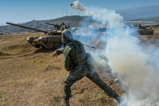 Báo Mỹ ngậm ngùi thừa nhận: Chiến tranh tổng lực Ukraine-Nga là châu chấu đá voi - Ảnh 3.